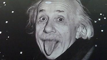 Сверхсветовая скорость математически возможна?